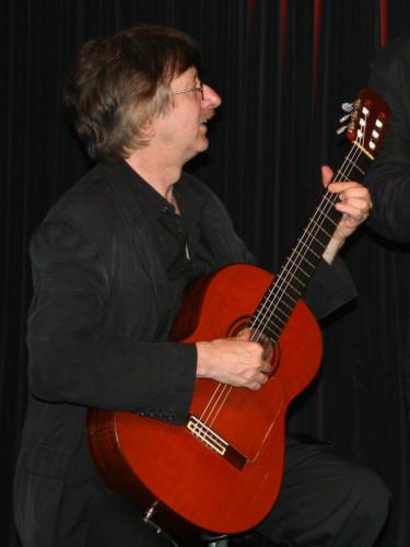 Angel García Arnés, Foto
